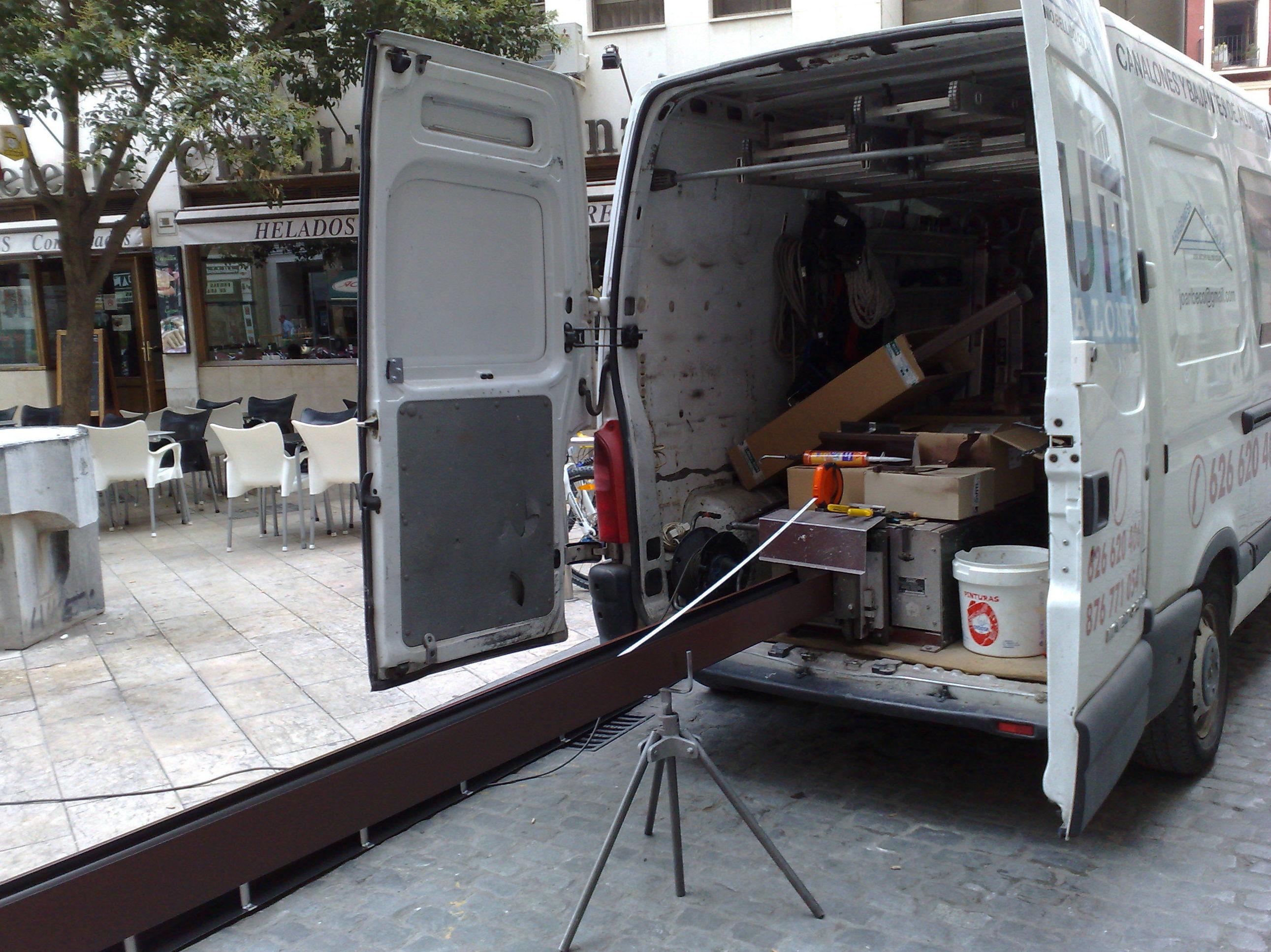 Canalones y bajantes de aluminio lacado en Zaragoza