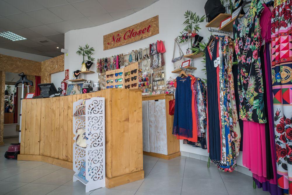 Vestidos y complementos de Nu Closet Shop