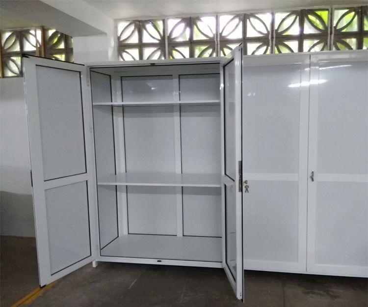 Gran variedad de muebles de aluminio