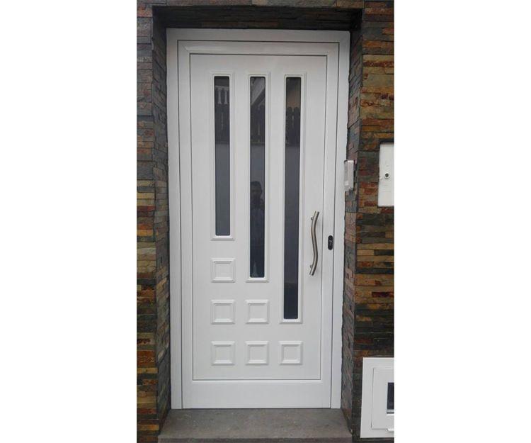 Puerta en aluminio con panel