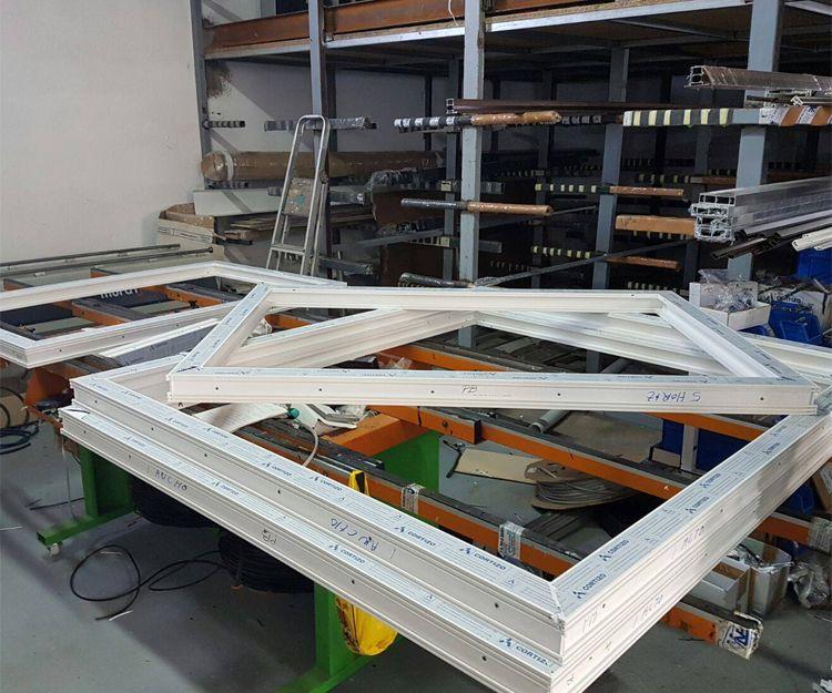 Fabricación de cerramientos a medida de aluminio