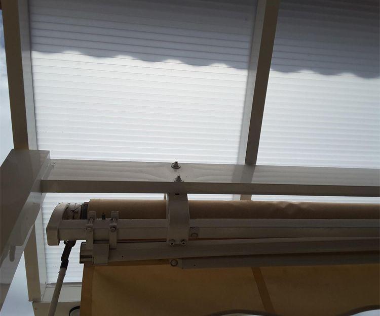 Estructura de techo y plancha de policarbonato