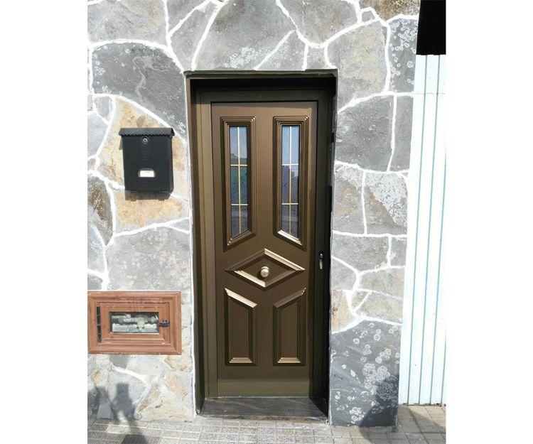 Puerta de aluminio verde
