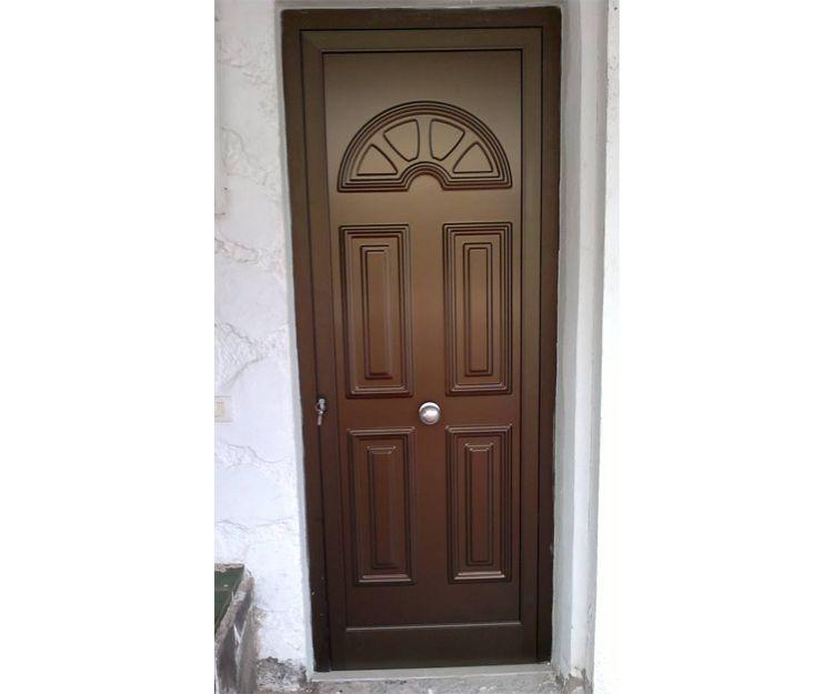 Puerta de aluminio color madera