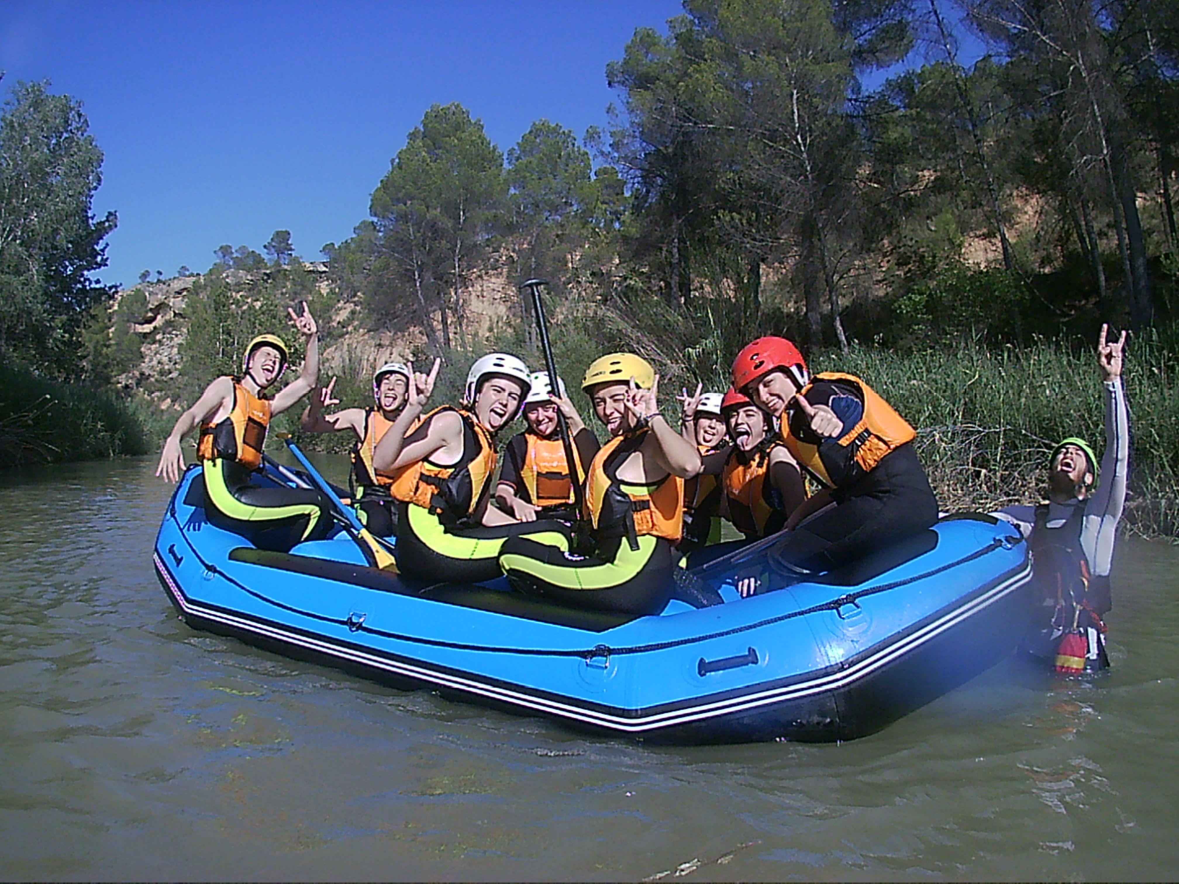 Rafting familiar: Servicios de ESCAPE AVENTURA