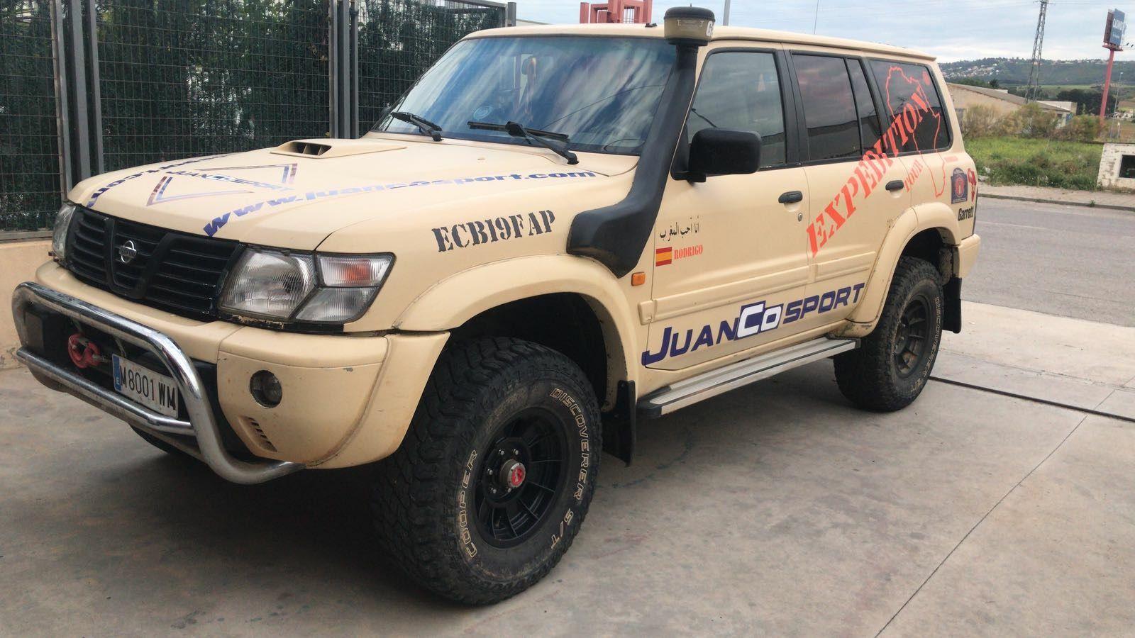 Reparación y preparación de coches de competición