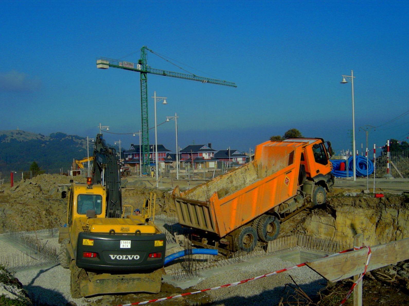 Foto 1 de Excavaciones en Castro Urdiales | Excavaciones Brazomar