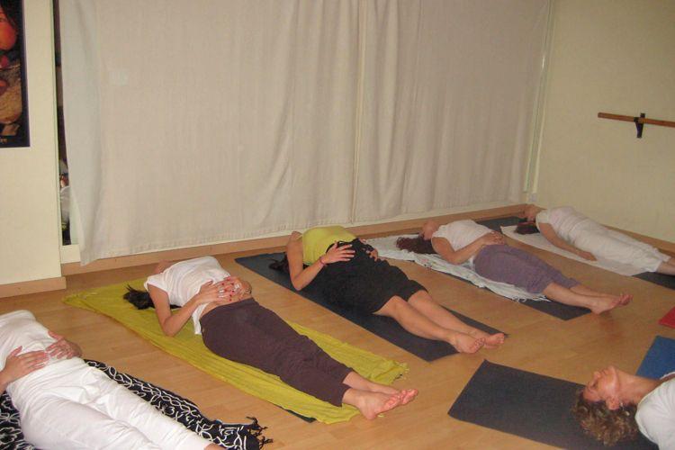 Disfruta del yoga con nosotros