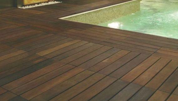Tarima exterior para piscina en Mallorca