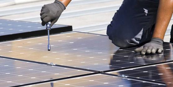 Mantenimiento y reparación de placas solares: Mantenimiento y reparación de PS Manser