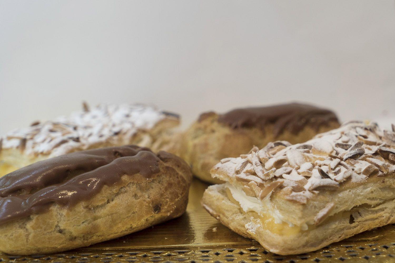 Gran variedad de pasteles y pastelitos en Pastelería Txoko Gozo