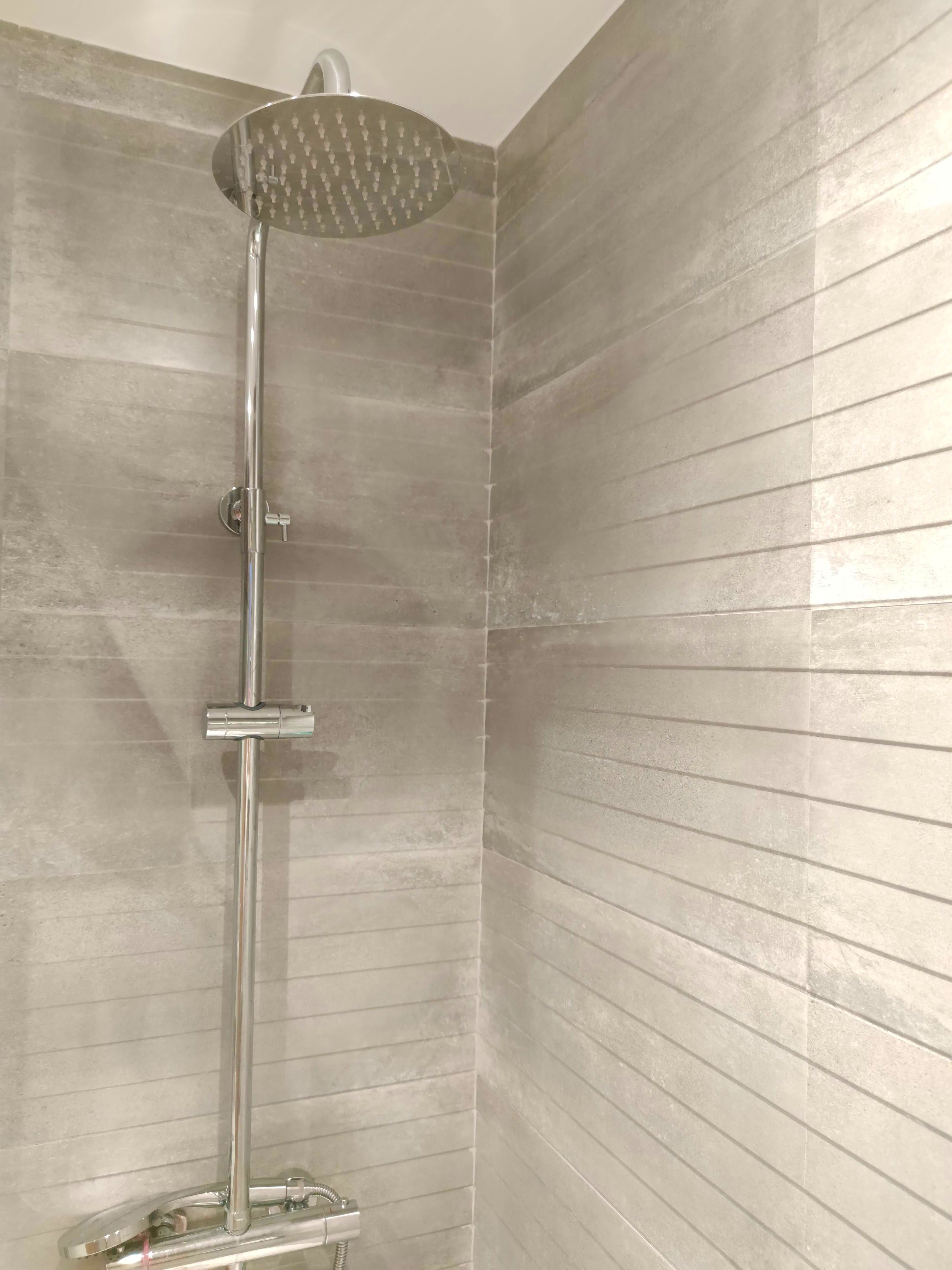 Columnas de ducha con alicatados