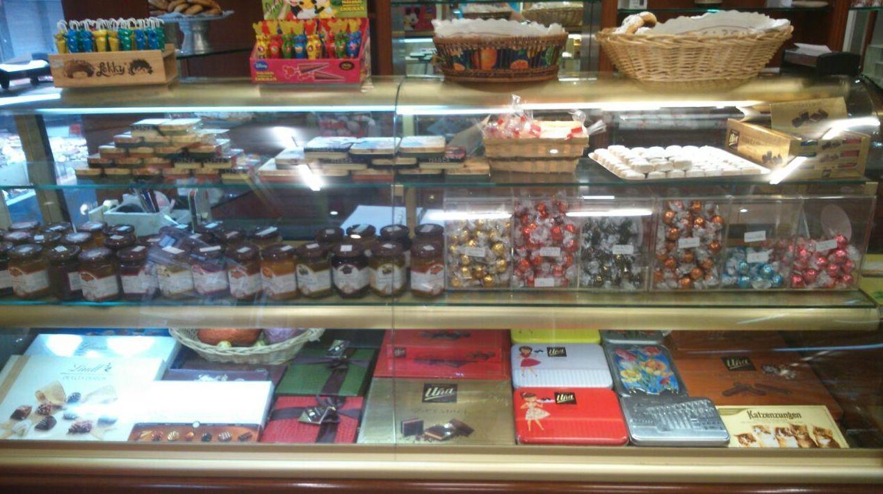 Venta de pasteles y bombones