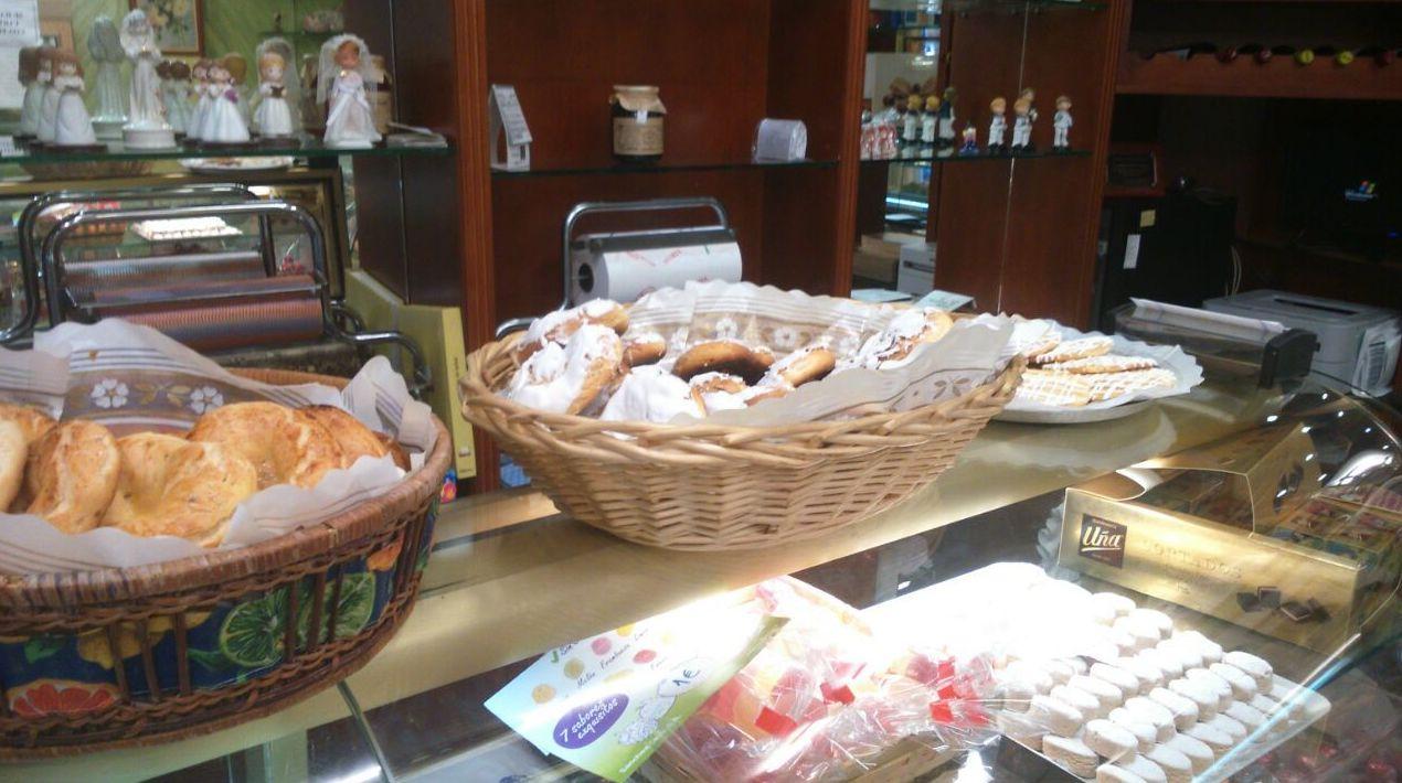 Pastelería María. Gran variedad de dulces en Segovia