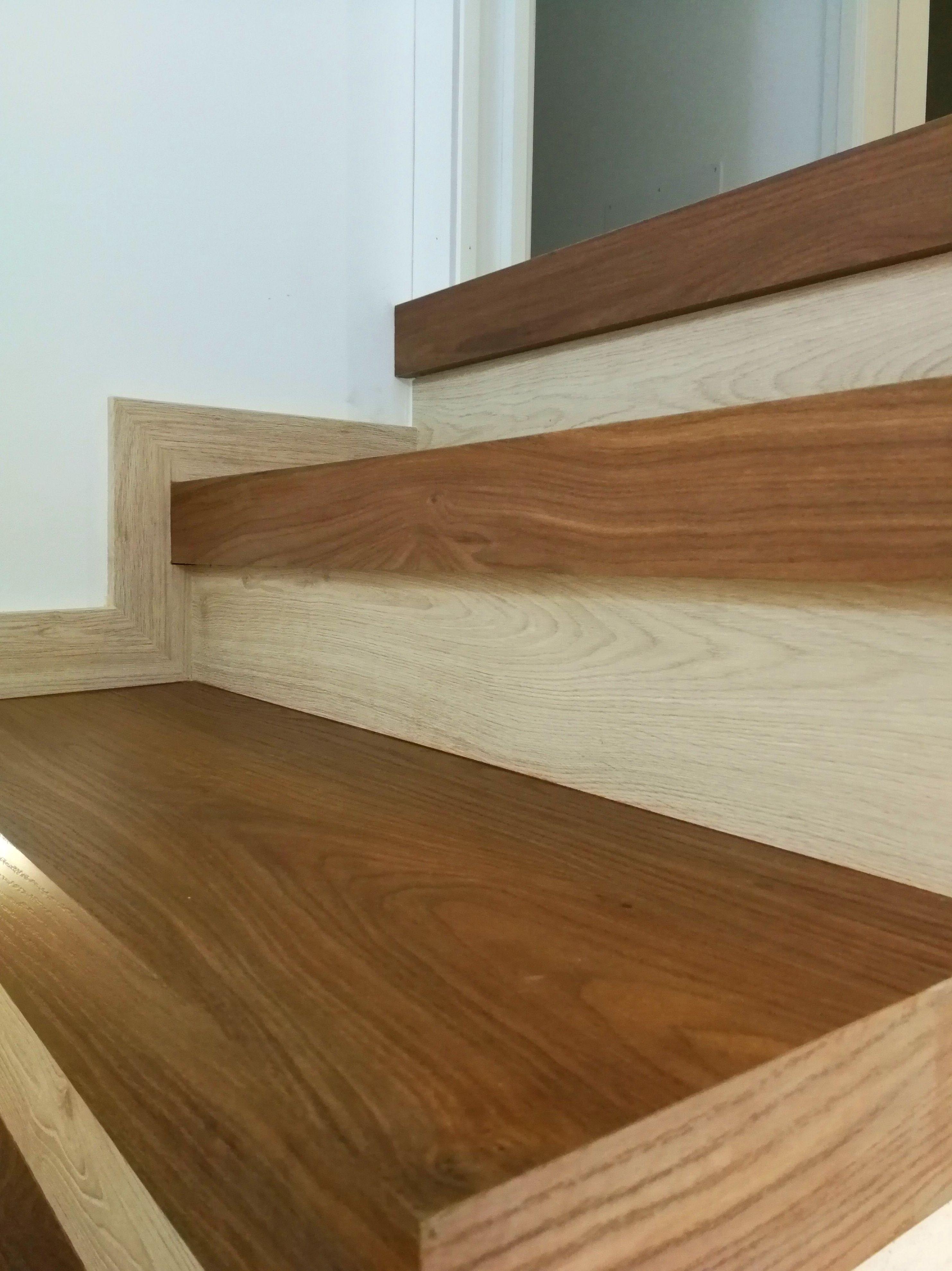 Escaleras: Servicios de Didecar Cocinas