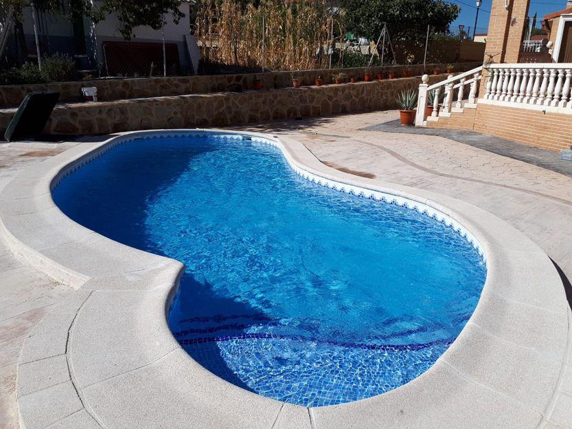 Baldosas antideslizantes para piscinas en Valmojado, Toledo
