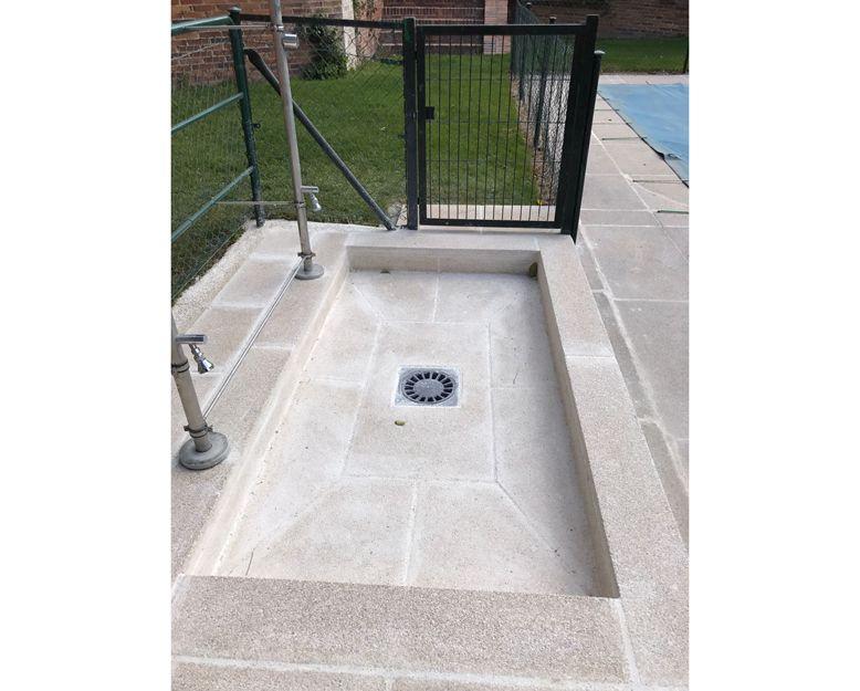 Piedras para duchas de piscinas en Madrid