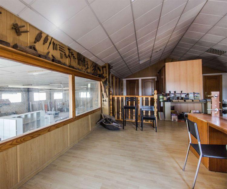 Confección de mobiliario para negocios en Cáceres
