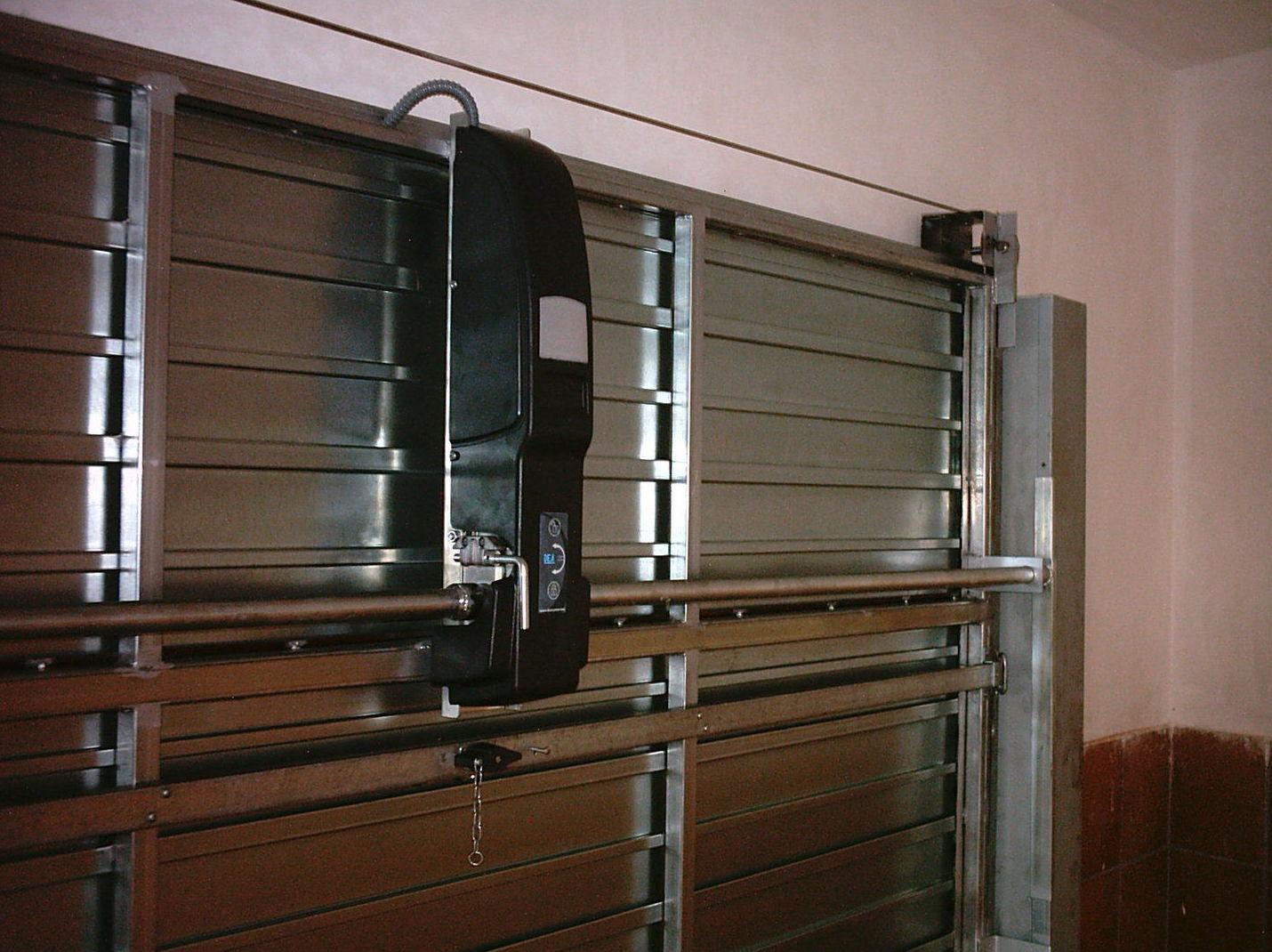 Mantenimiento de mecanismos de puertas de garaje