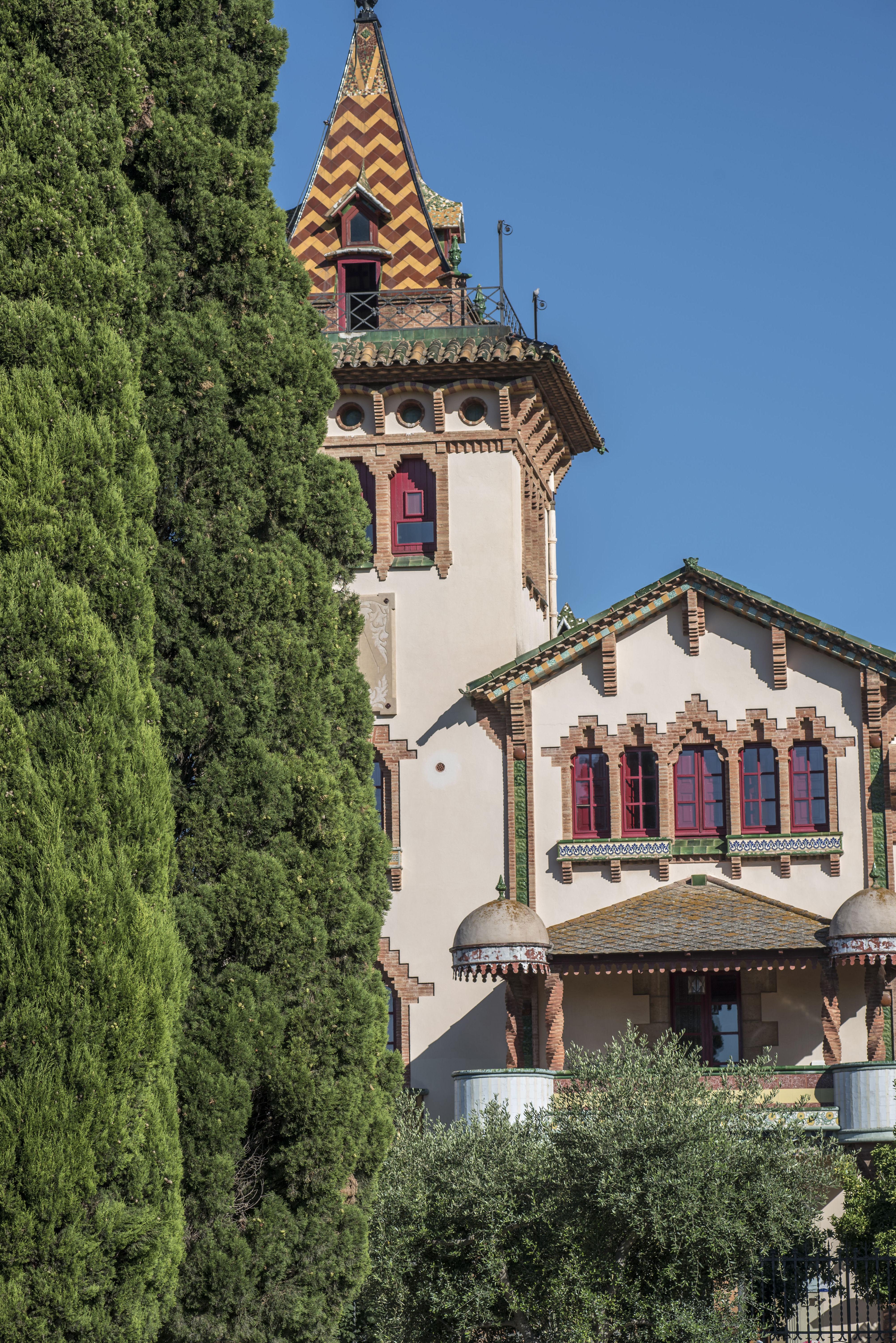 Edificio Modernista.  Sant Pere de Ribes. Barcelona.