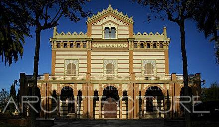 Fachada Principal Edificio Neomudejar. Rehabilitado por FPMARQUITECTURA  Vilanova i la Geltru