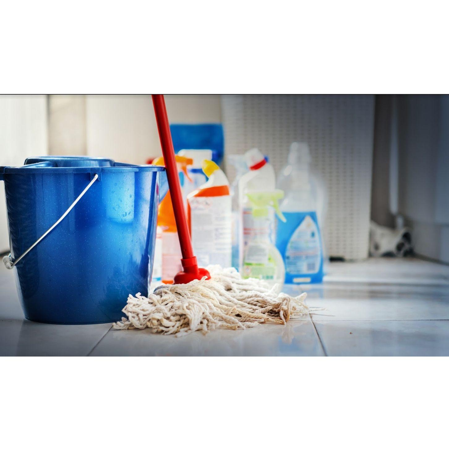 Deportivos y gimnasios: Servicios de Limpiezas y Pinturas  Karkach