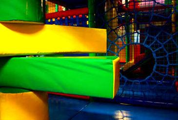 Parque infantil con Zona de juegos en Santander