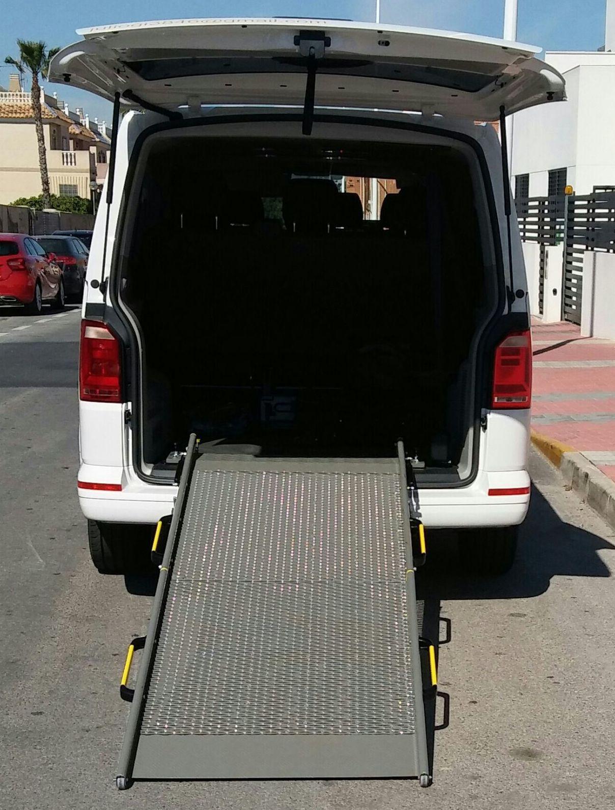 Foto 4 de Servicio de taxi en Torrevieja | Taxi Julio Torrevieja