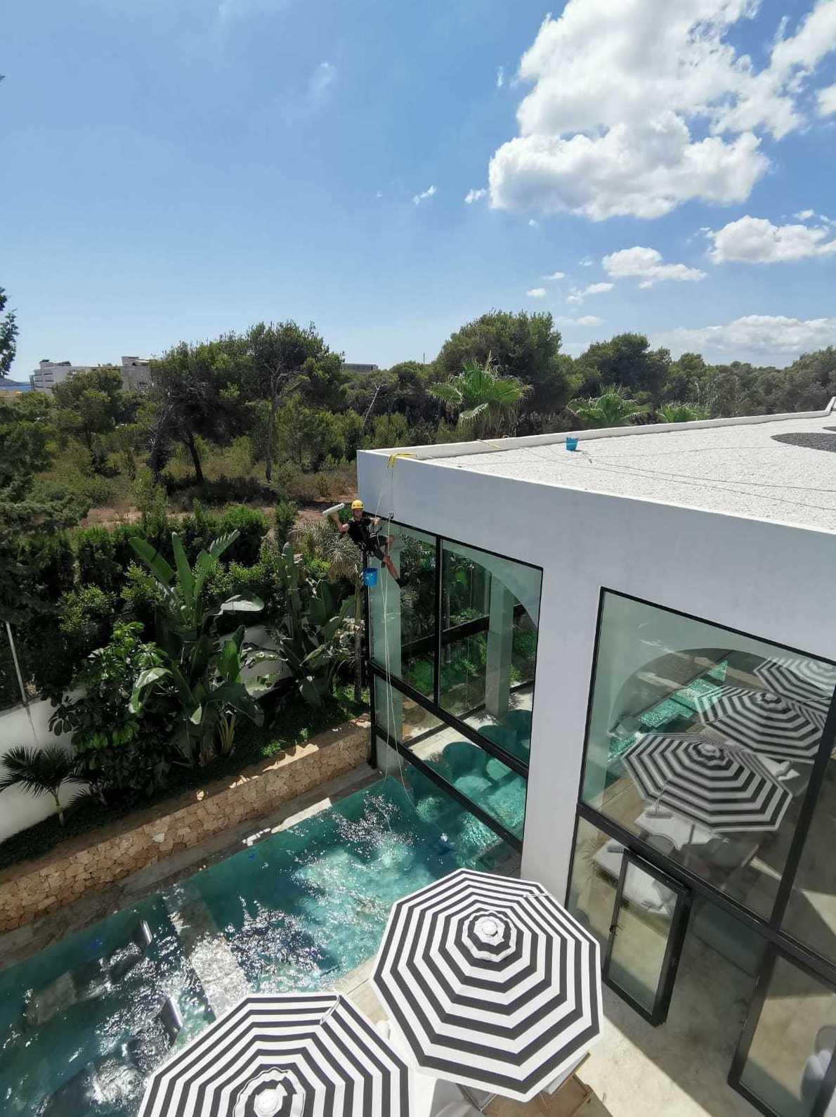 Foto 2 de Trabajos verticales en  | Vertical Ibiza
