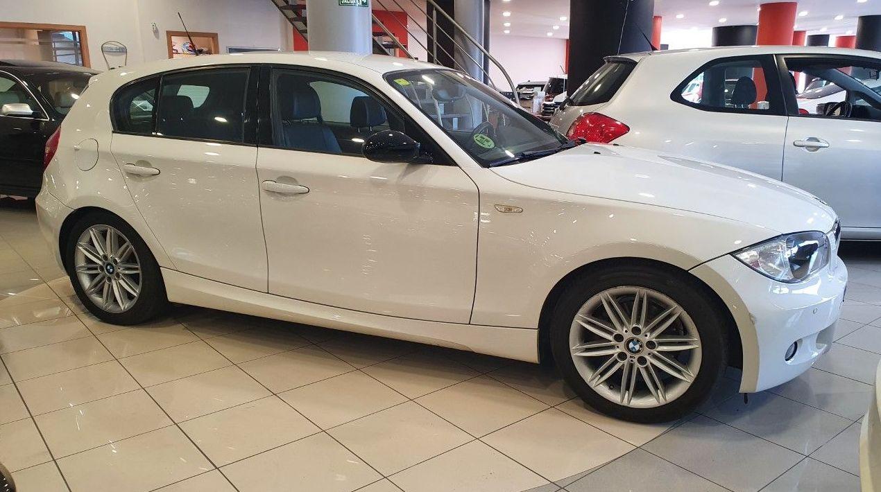 BMW 118i AUTOMATICO Y PAQUETE M COMPLETO!! ¡IMPECABLE!:  de CODIGOCAR