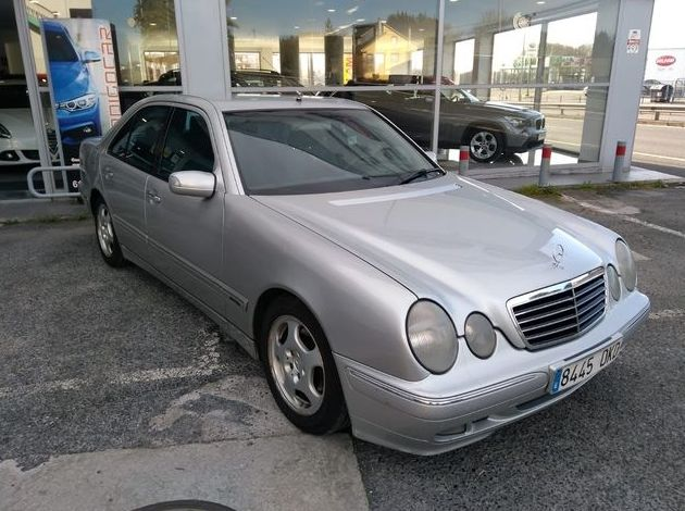 MERCEDES E 220 CDI AVANTGARDE AUTOMATICO: Compra venta de coches of CODIGOCAR