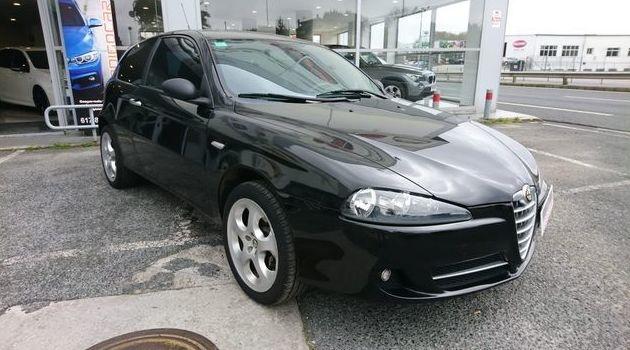 ALFA ROMEO 147 1.9JTD 100CV 3P: Compra venta de coches de CODIGOCAR