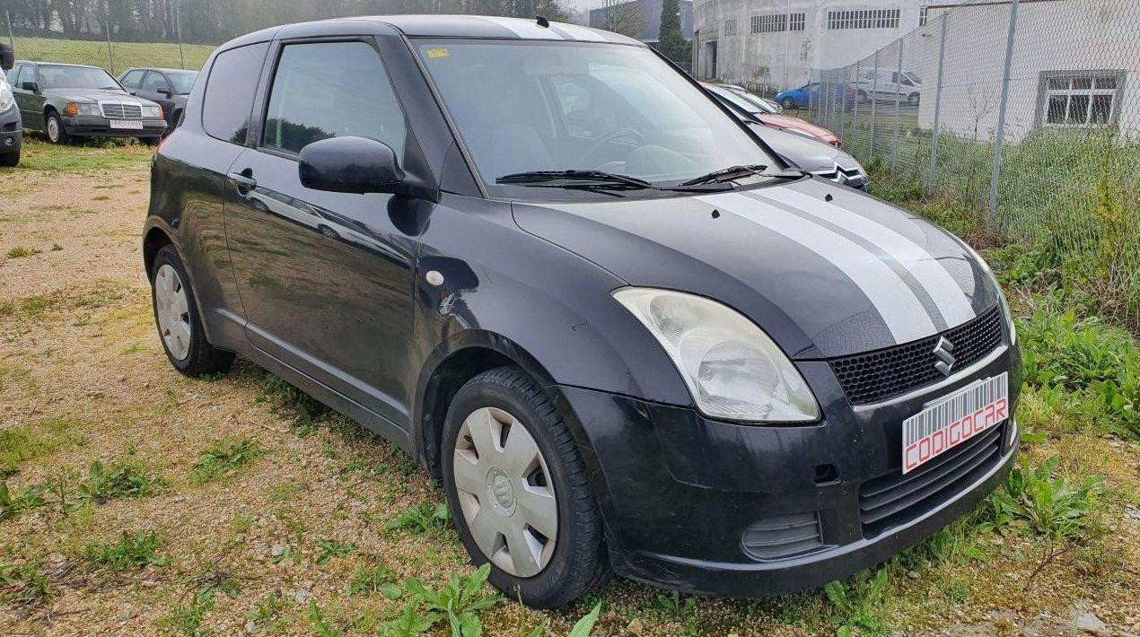 SUZUKI SWIFT 1.3i 3 PUERTAS: Compra venta de coches de CODIGOCAR