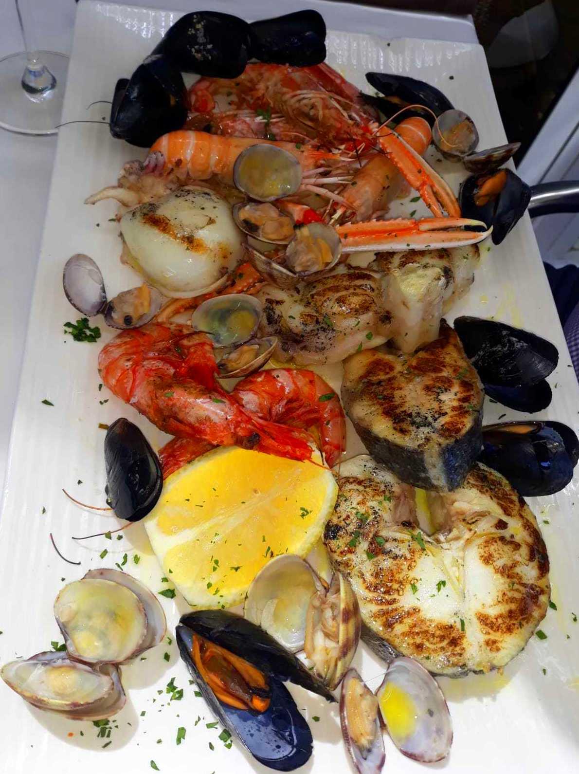 Foto 3 de Cocina marinera en  | Restaurante Delfín