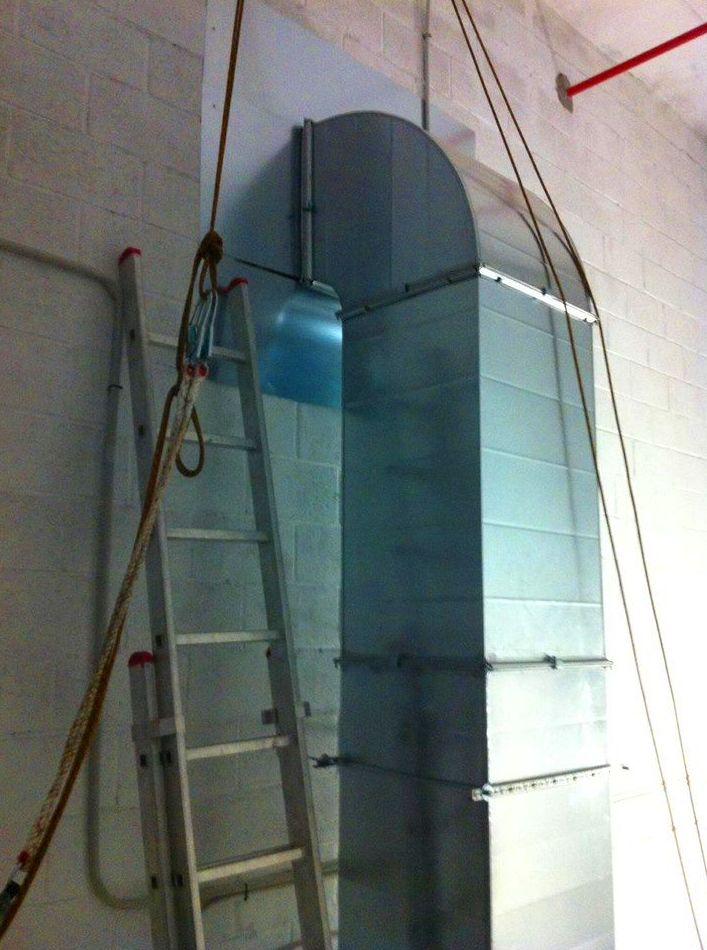 Tubo de extraccion de 450 mm: Trabajos realizados de REFORMAS, INSTALACIONES Y CONSTRUCCION ARAGON SLU