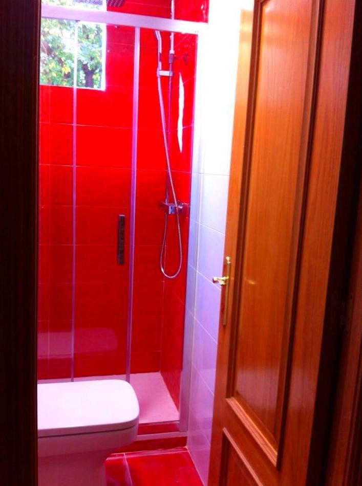 reforma de baño completo: Trabajos realizados de REFORMAS, INSTALACIONES Y CONSTRUCCION ARAGON SLU
