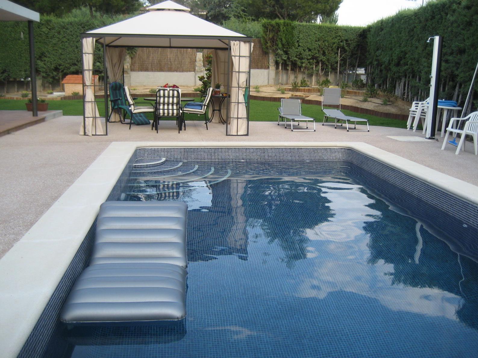 Precio piscina obra 8x4 great piscina obra con artificial for Precio piscina de obra