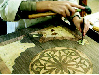 Foto 2 de Restauración de muebles y antigüedades en Pozuelo de Alarcón   La Carcoma Glotona