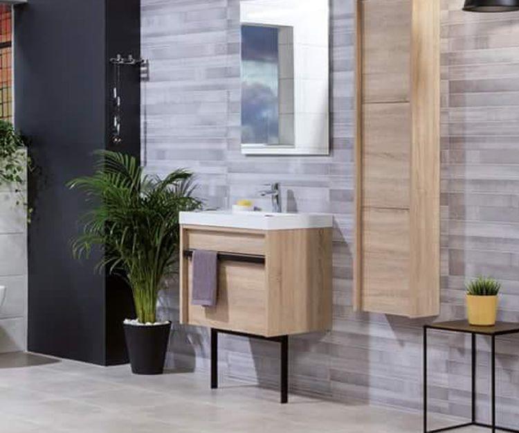 Almacén de muebles de baño en Murcia