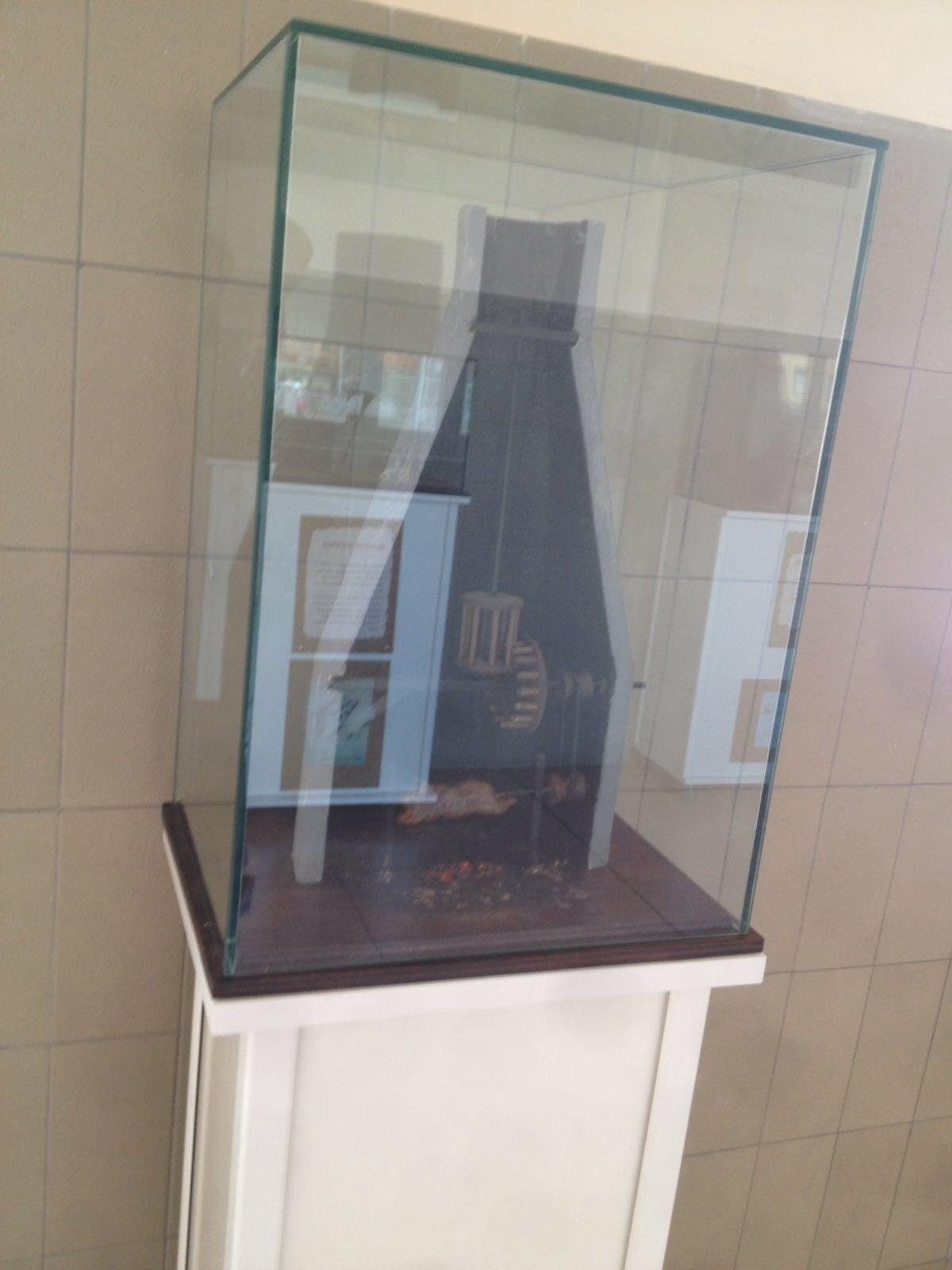 Urnas de cristal de protección para exposiciones