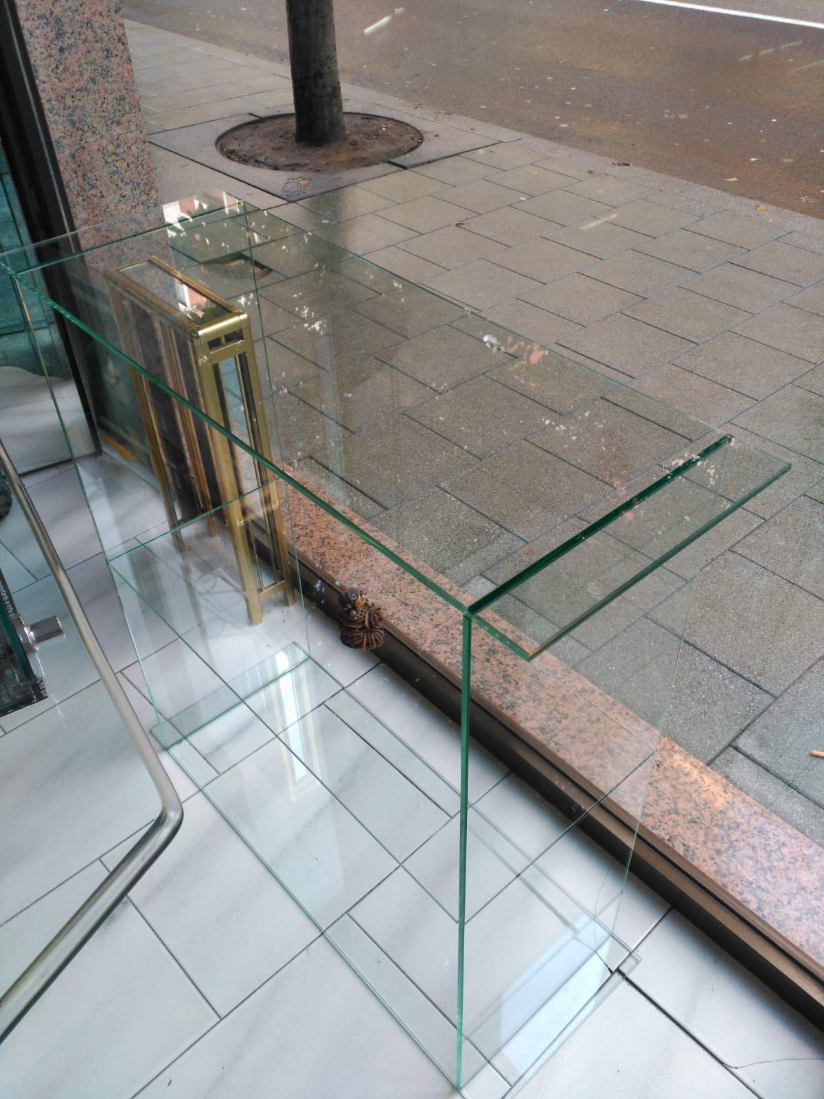 Muebles de cristal en Gijón