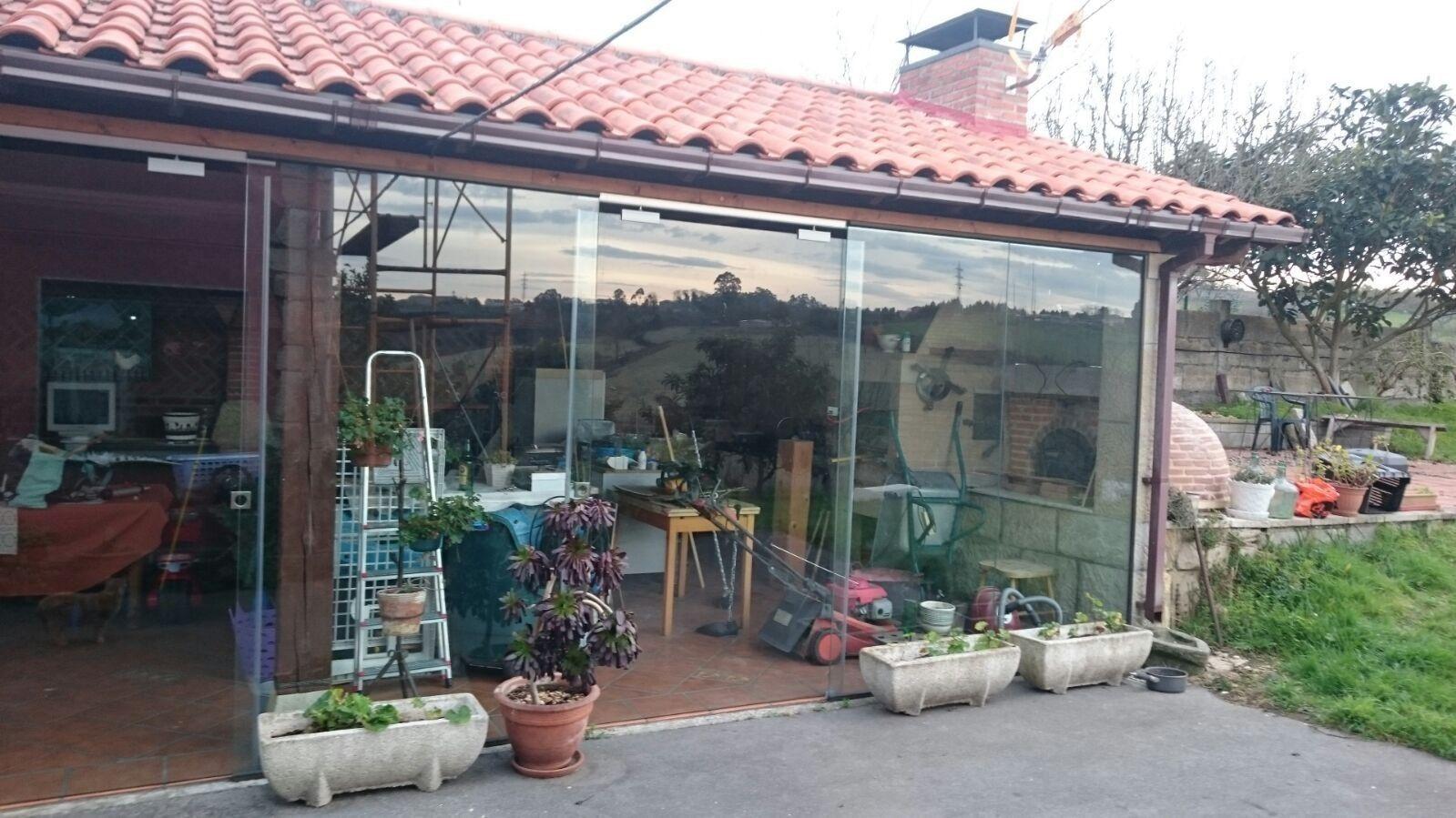 Empresa especialista en trabajos con cristal en Gijón