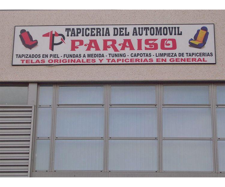 Fachada del taller de tapicería del automóvil