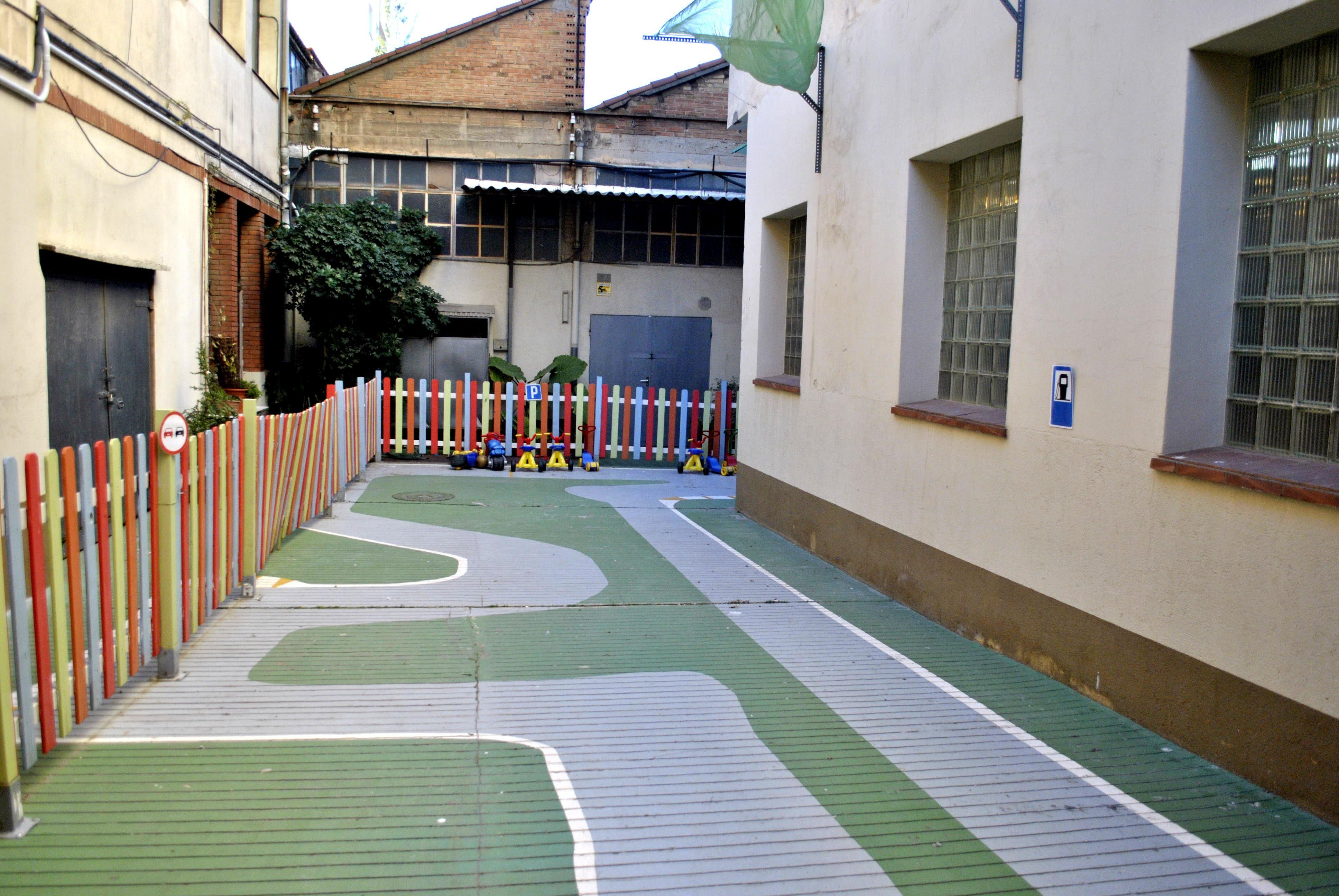 Foto 1 de Guardería infantil bilingüe en  | Llar d'infants Petits Gegants