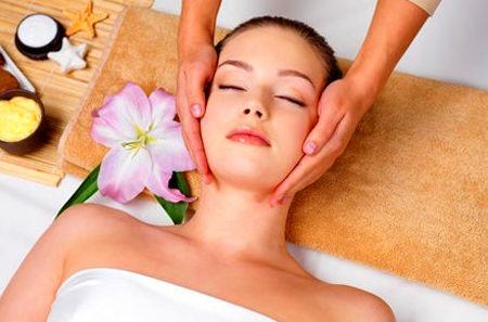 Masaje facial (cuello y escote) 20m': Servicios de PELUQUERÍA SMART EXPERTOS EN BELLEZA
