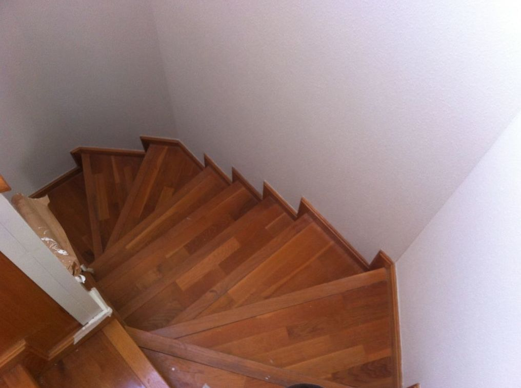 Escalera para barnizar
