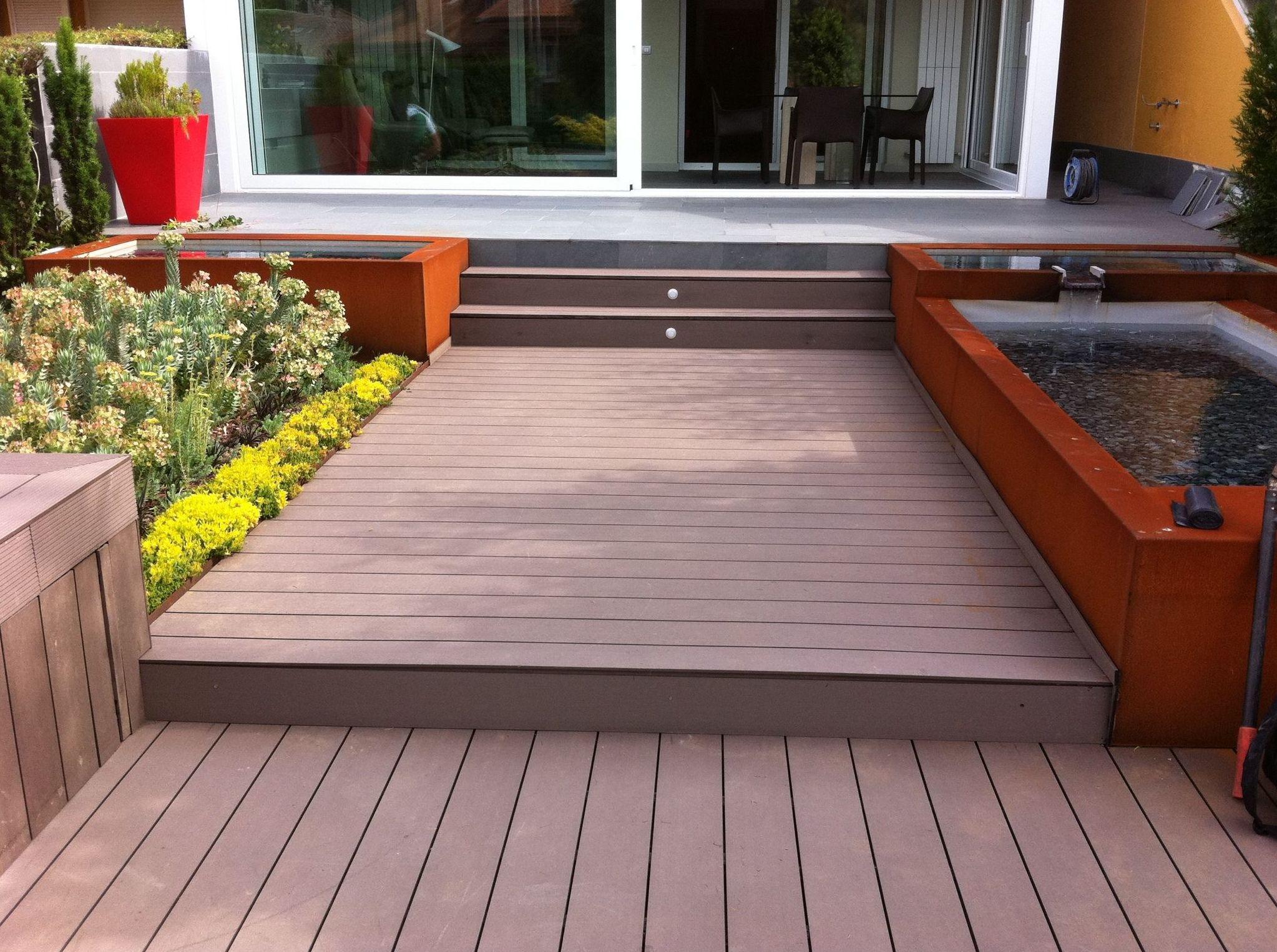Instalación de suelo sintético de exteriores
