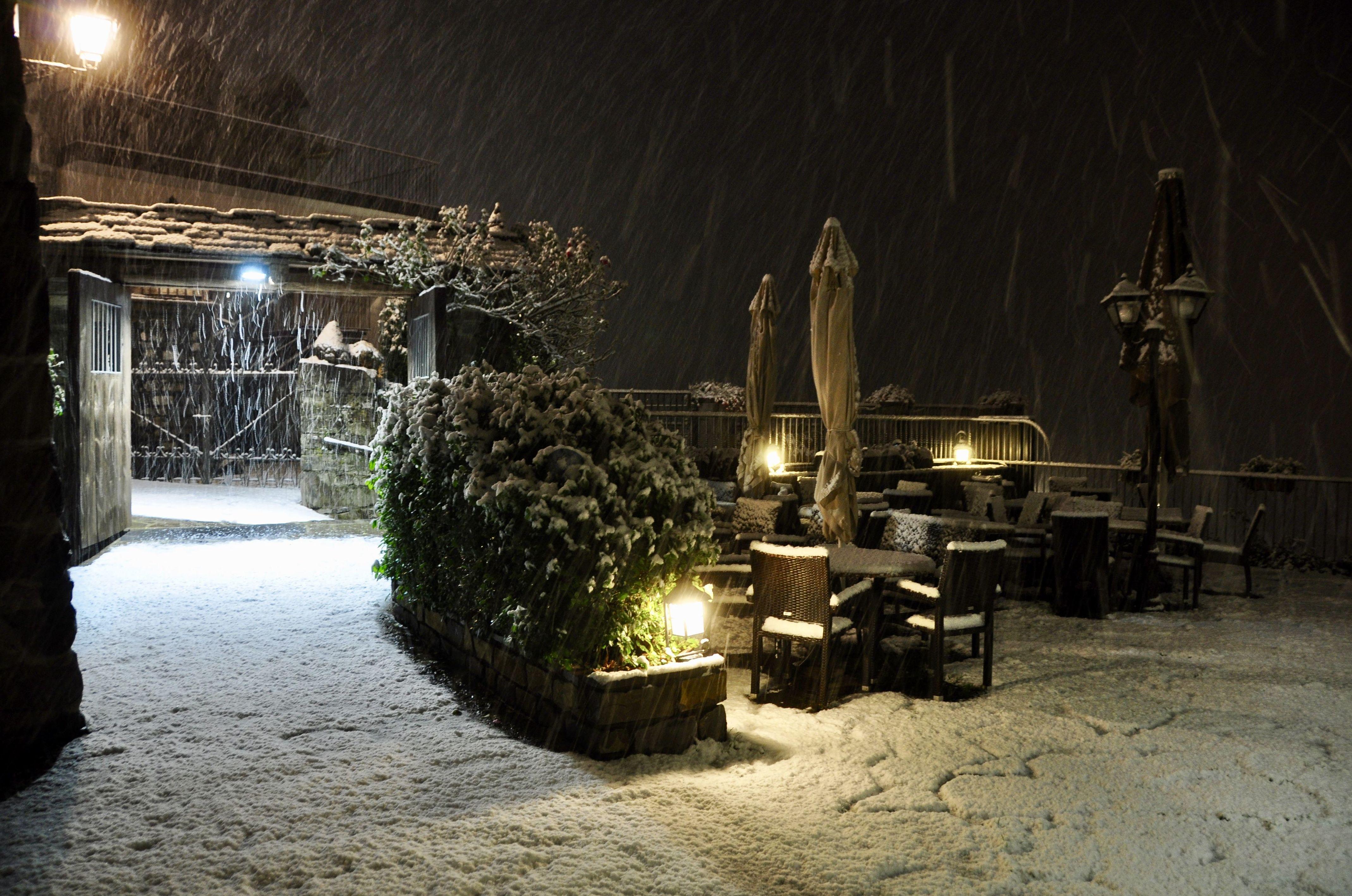 Terraza nevando