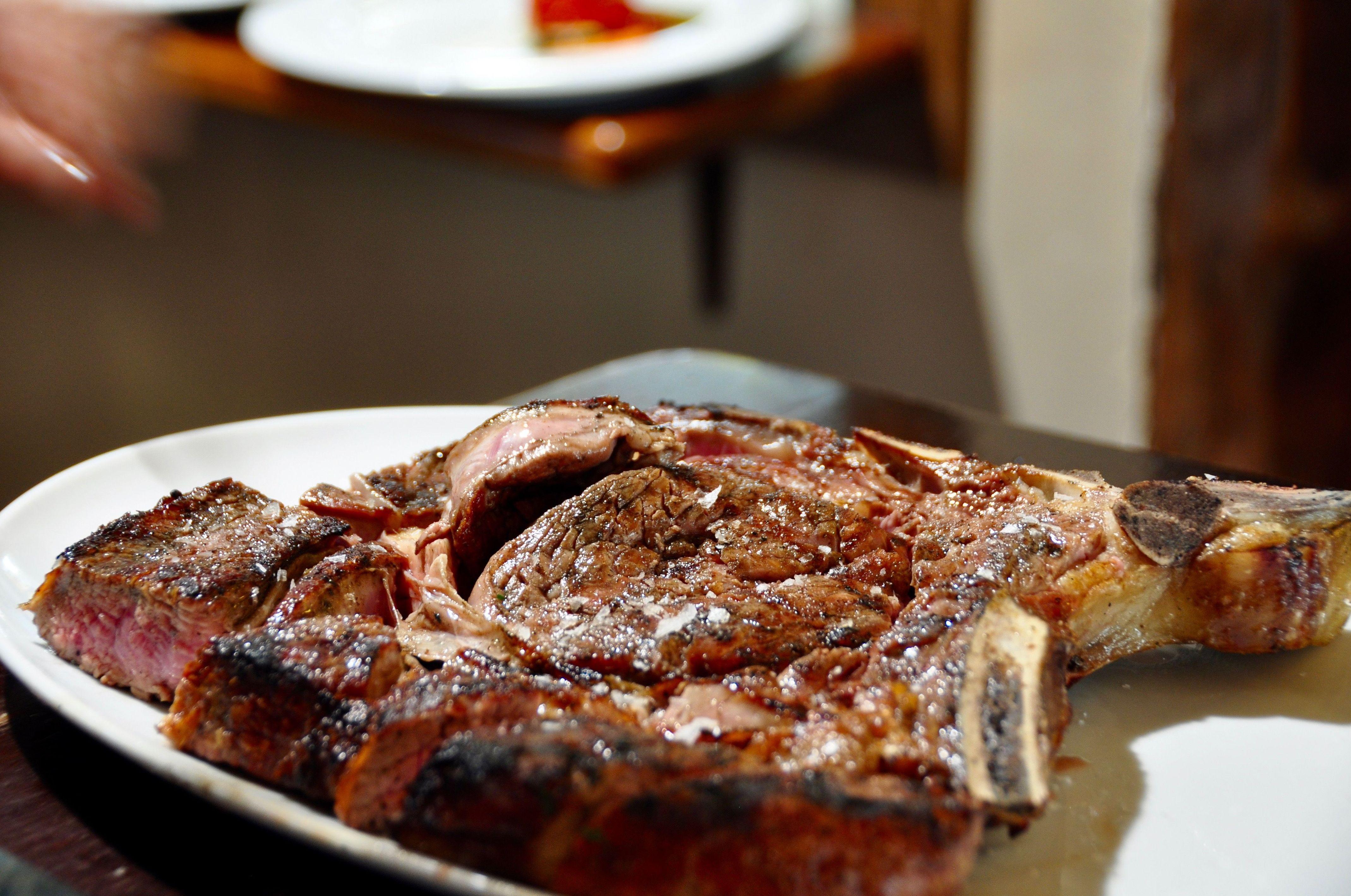 """carne de asada con denominación """" Ternera del valle de Broto"""""""