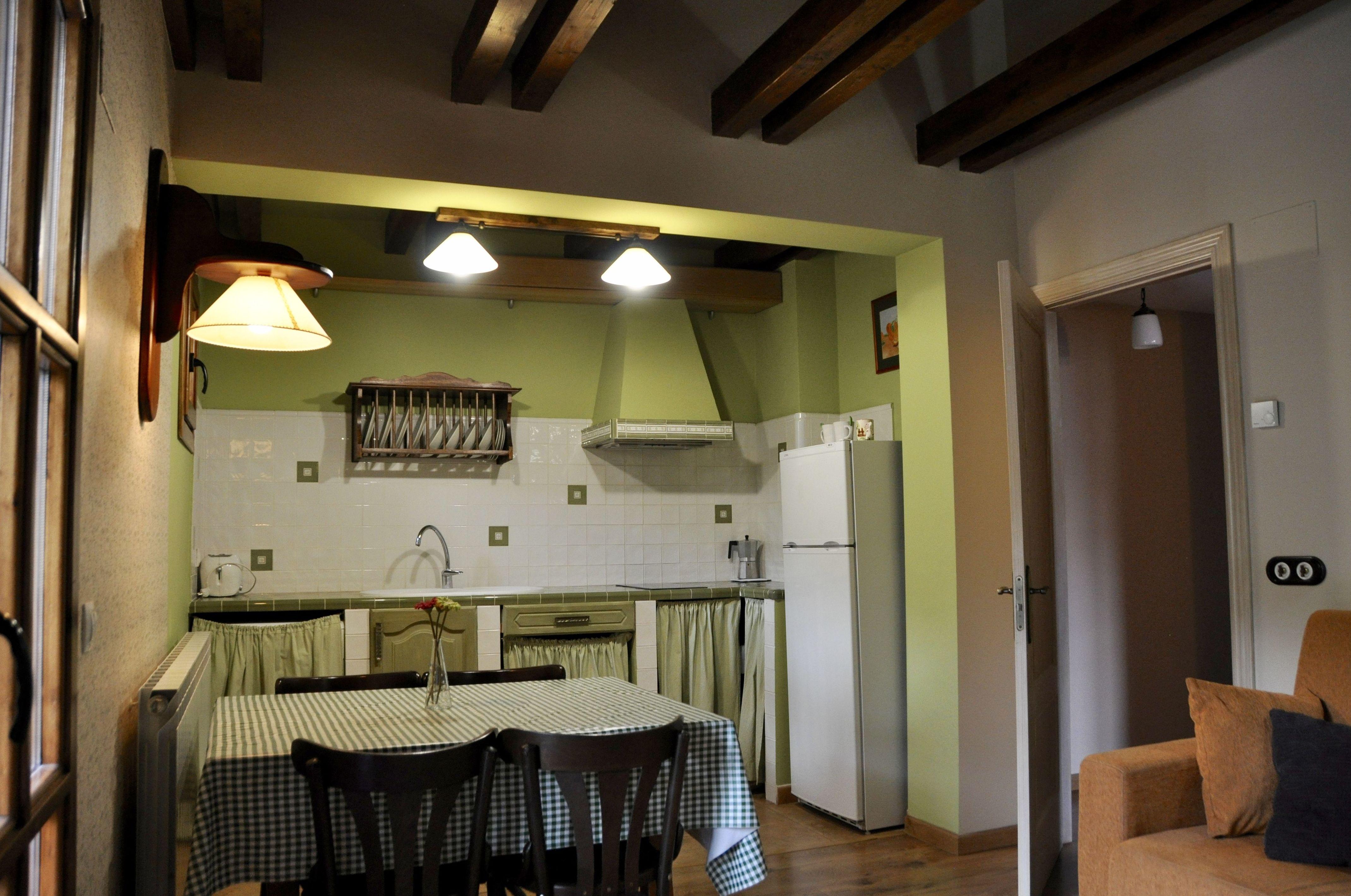 Cocina-comedor apartamento Ordesa.